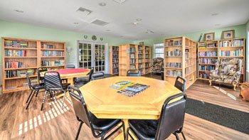 Card Room and Library at Saddle Oak Club