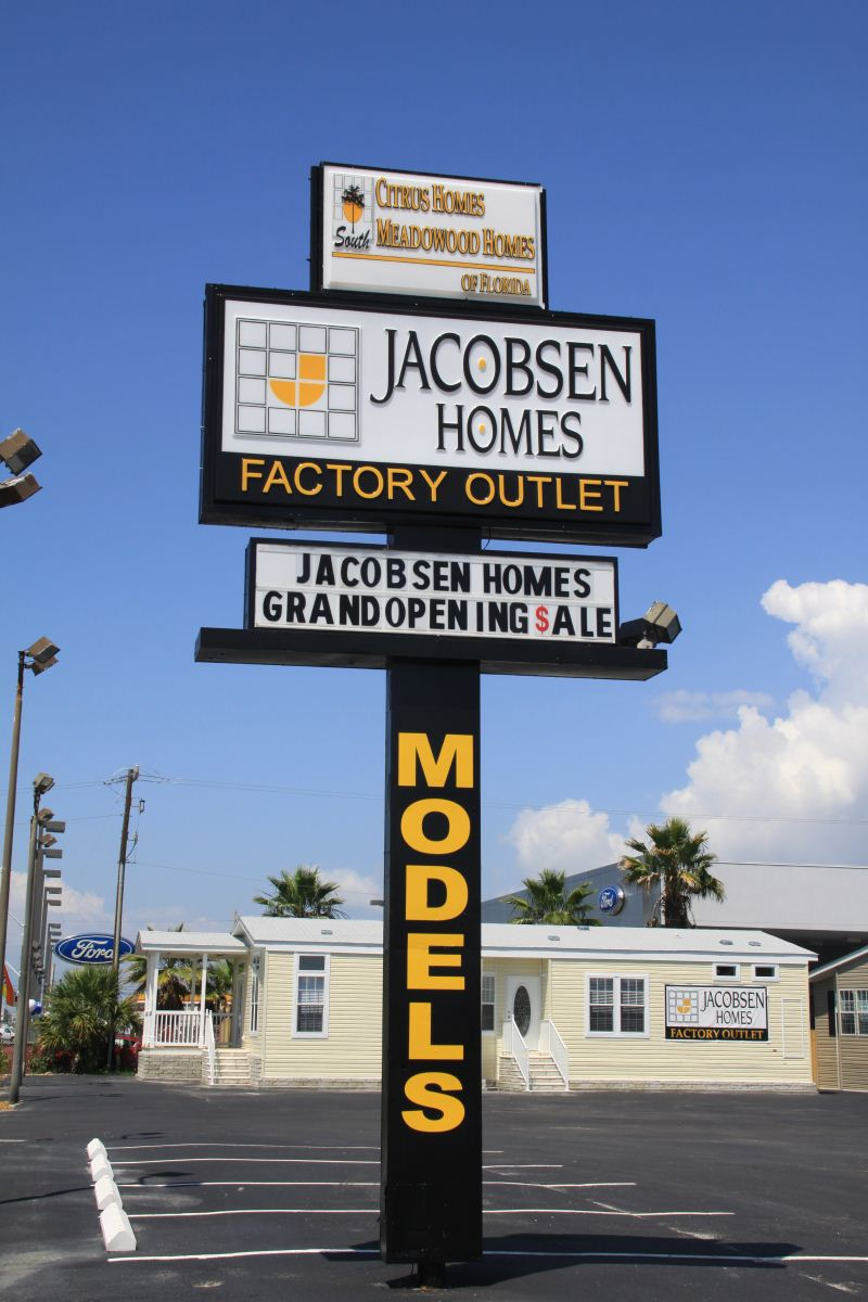 Jacobsen Homes Factory Outlet Sign