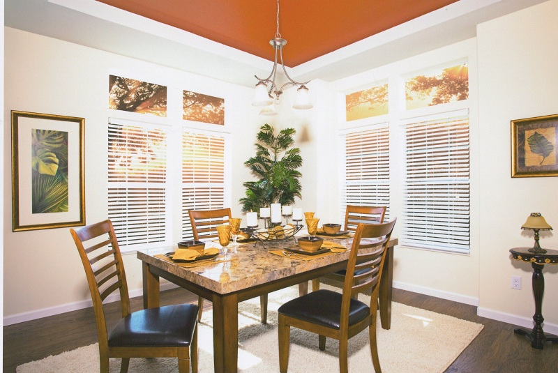 Dining room of Bay Manufactured Home