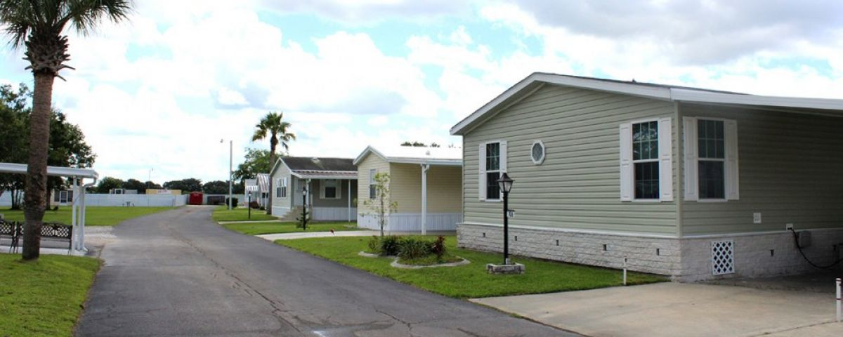 Manufactured home street scape Oakview mobile home community in Arcdia Florida