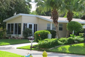 Manufactured home in adult community in Ormond Beach, Florida