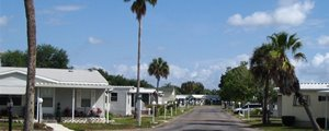 A manufactured home street scape in Kissimmee Gardens