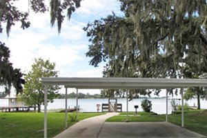 Lake view at Kings Point manufactured home community in Lake Alfred Florida