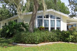 luxurious adult manufactured home community on Florida's East Coast